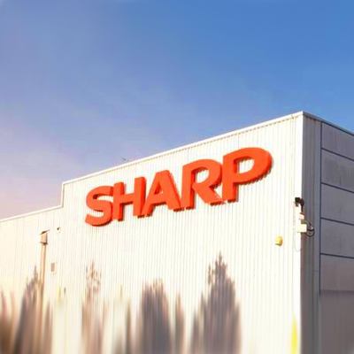 Sharp AQUOS LCDs in Boeing Airlines